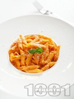 Пене със сос от червени чушки и сирене - снимка на рецептата